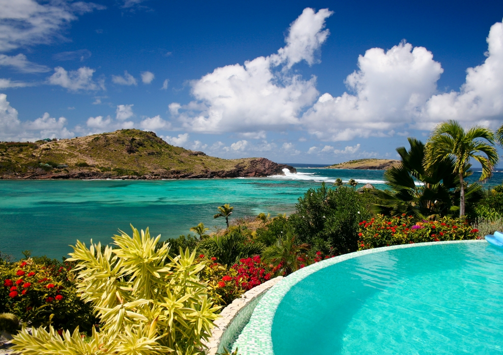 St-Barts-yacht-charter-island-view